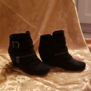 Women's Size 7 Wedge Ankle Boots